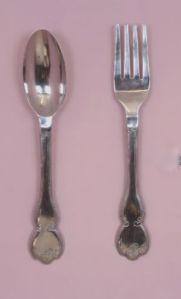 extra-large-aluminium-silver-fork-spoon-wall-hanging-4105-p[ekm]300x496[ekm]