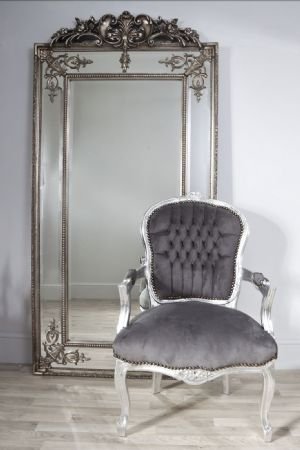 Is your salon d cor up to scratch salon statistics for Big salon mirrors