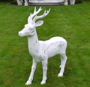 large-white-distressed-standing-stag-ornament-9942-p[ekm]300x291[ekm]