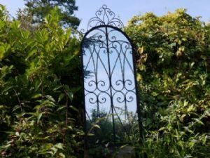 large-metal-arched-garden-conservatory-leaner-mirror-5454-p[ekm]300x225[ekm]