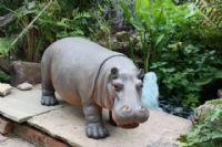 realistic-baby-hippo-standing-ornament-9227-p[ekm]200x133[ekm]